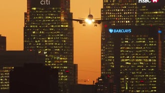 Airplane Landing At Night: Stock Video