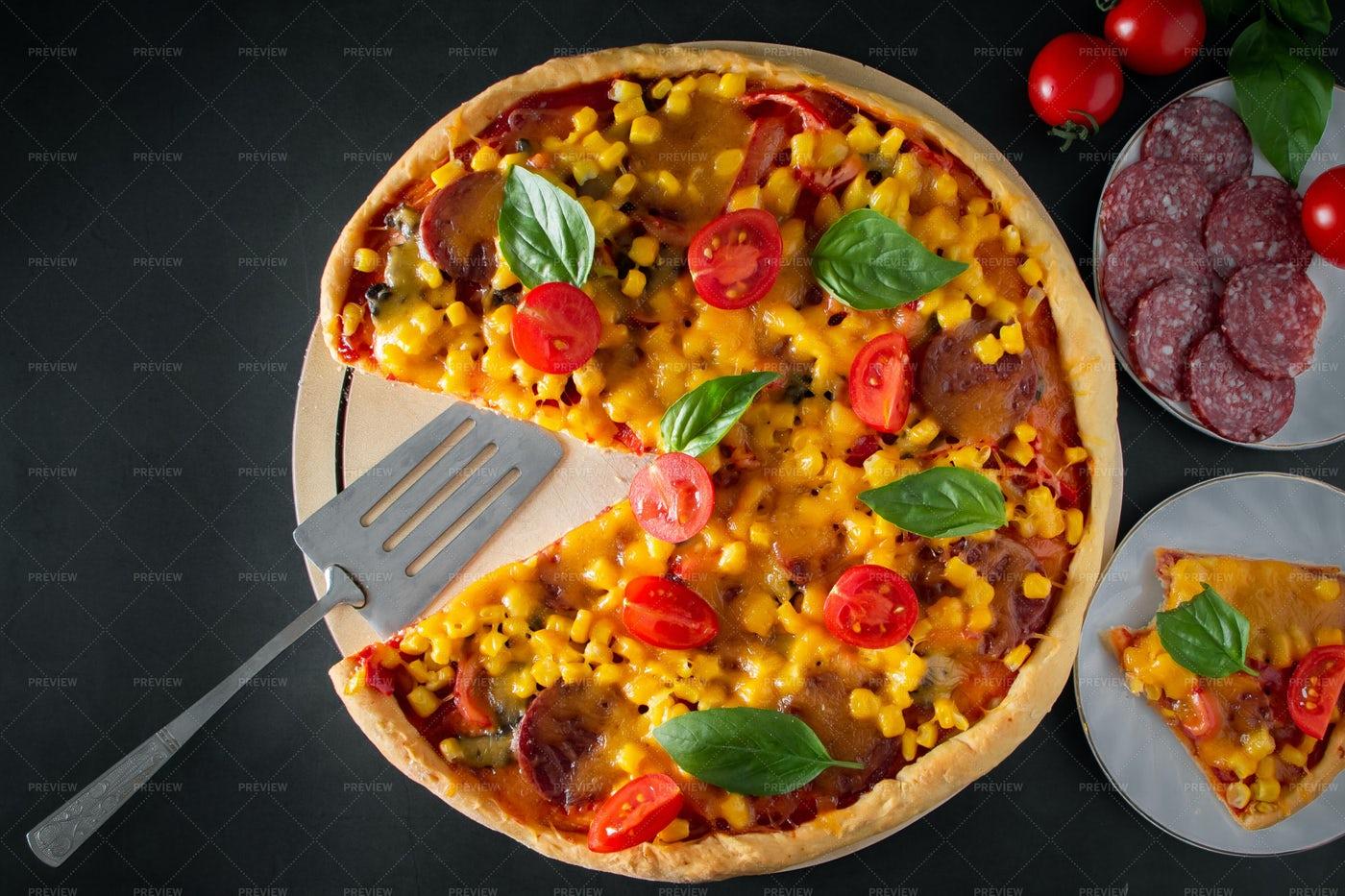 Homemade Pizza: Stock Photos
