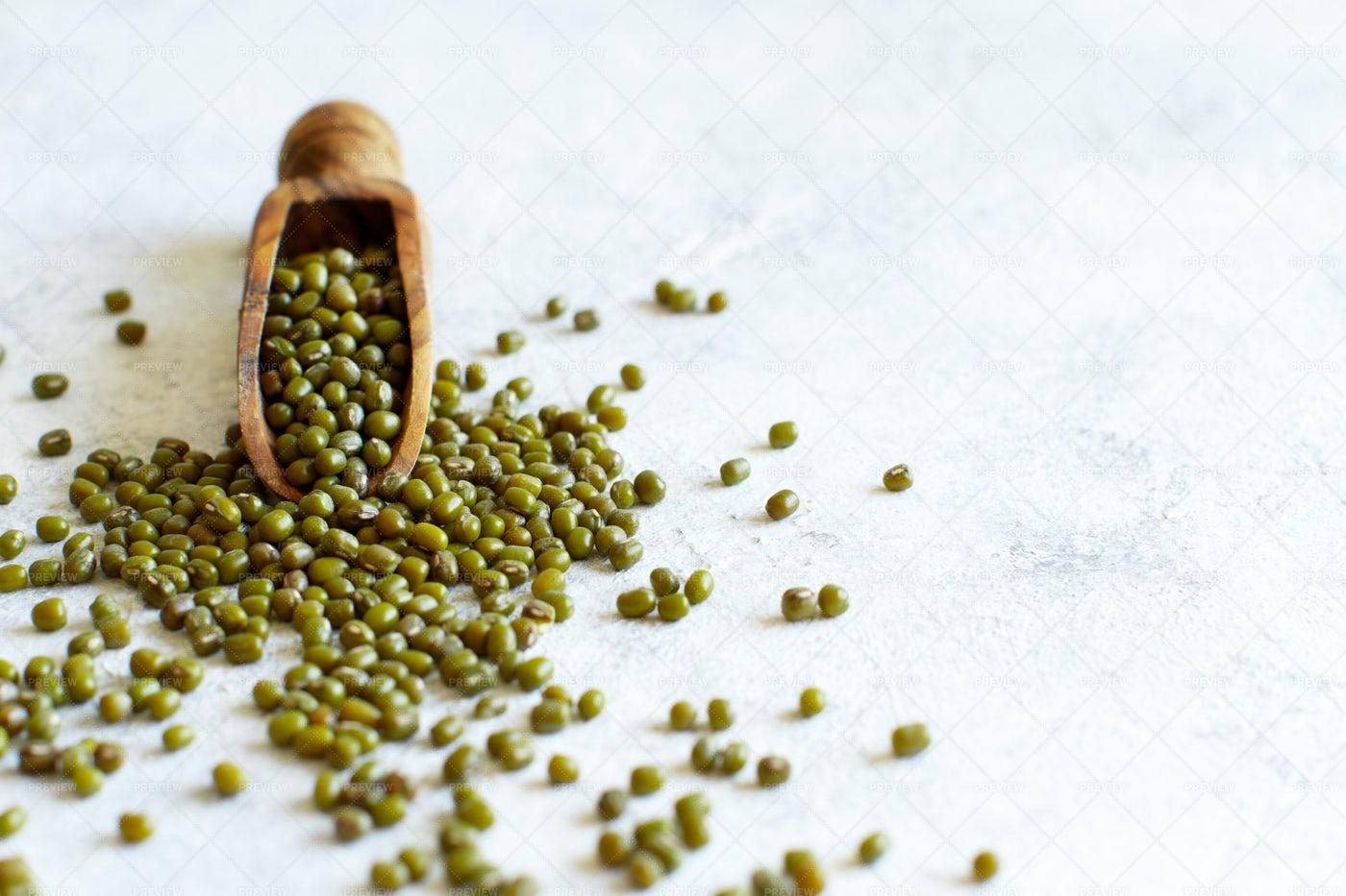 Mung Beans Scoop Close-Up: Stock Photos