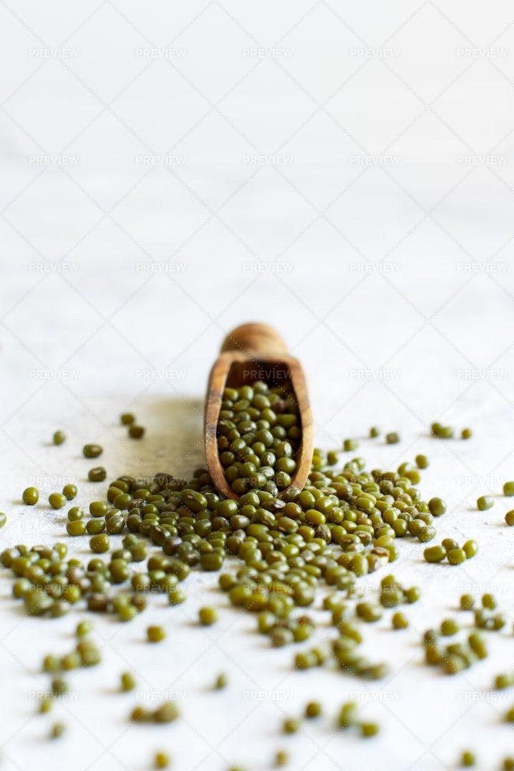 Scooped Mung Beans: Stock Photos