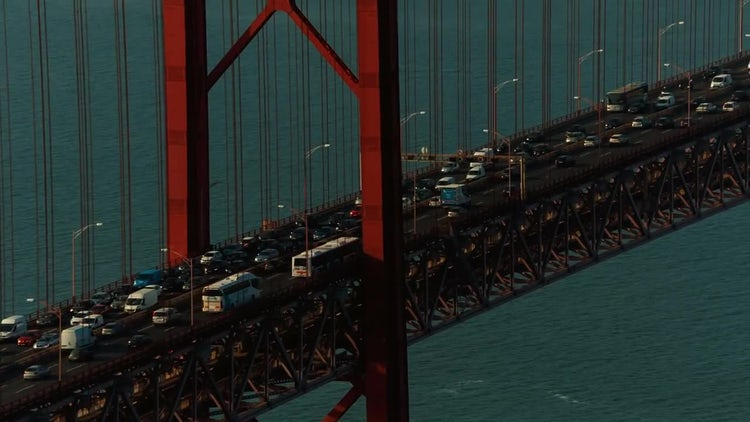 Ponte 25 De Abril Bridge: Stock Video