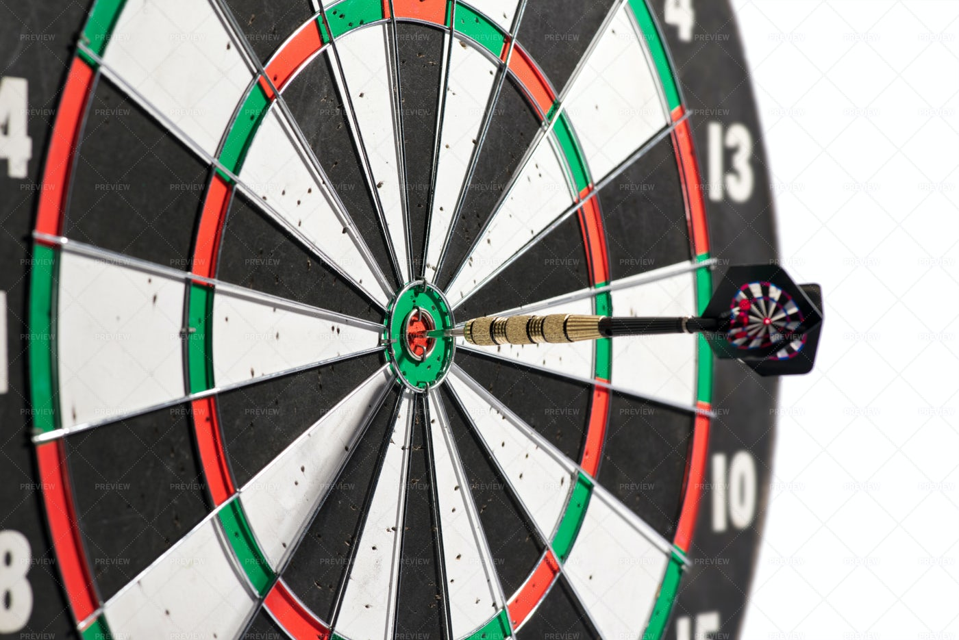 Dart Board With Dart: Stock Photos