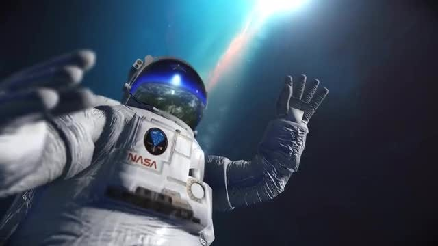 Astronaut In Space: Stock Motion Graphics