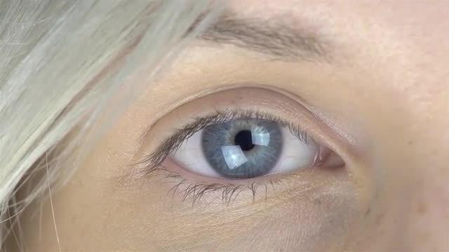 Female Eye Opening 4k: Stock Video