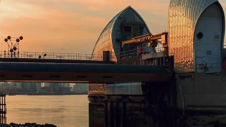 Panning Shot Of Thames Barriers: Stock Video