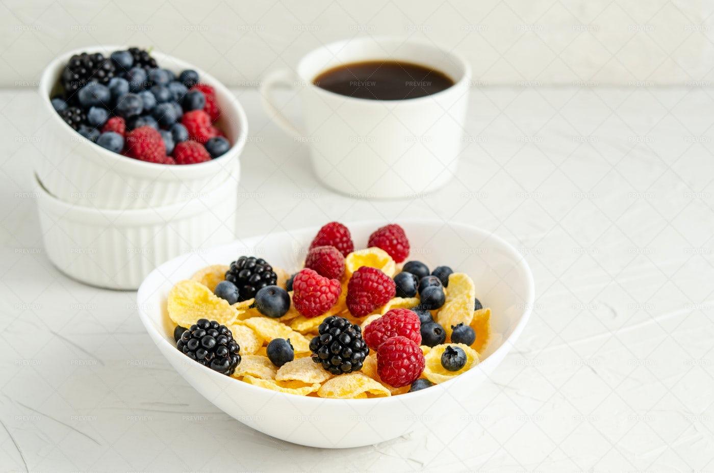Cornflakes With Berries: Stock Photos