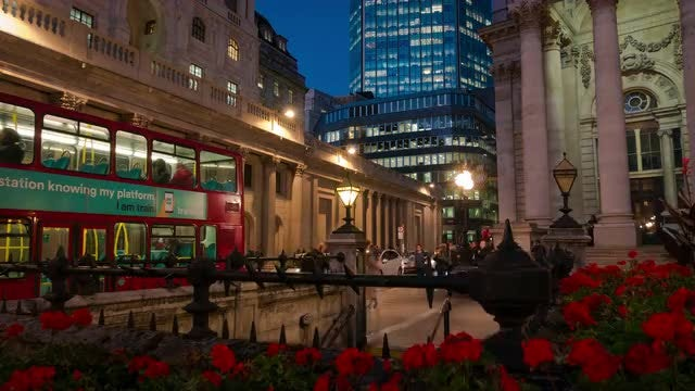 London Night Scene: Stock Video