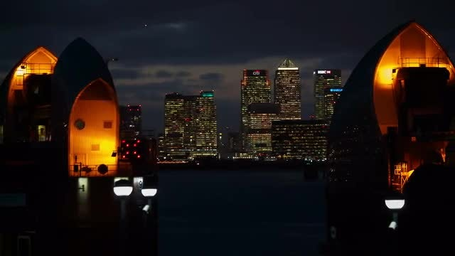 Canary Wharf And Thames Barrier : Stock Video