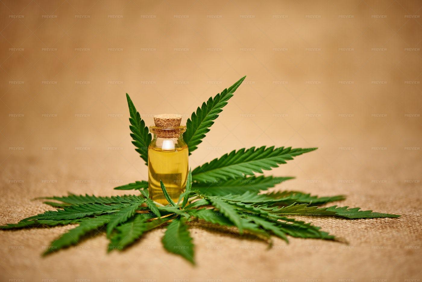 Cannabis Oil Extract: Stock Photos
