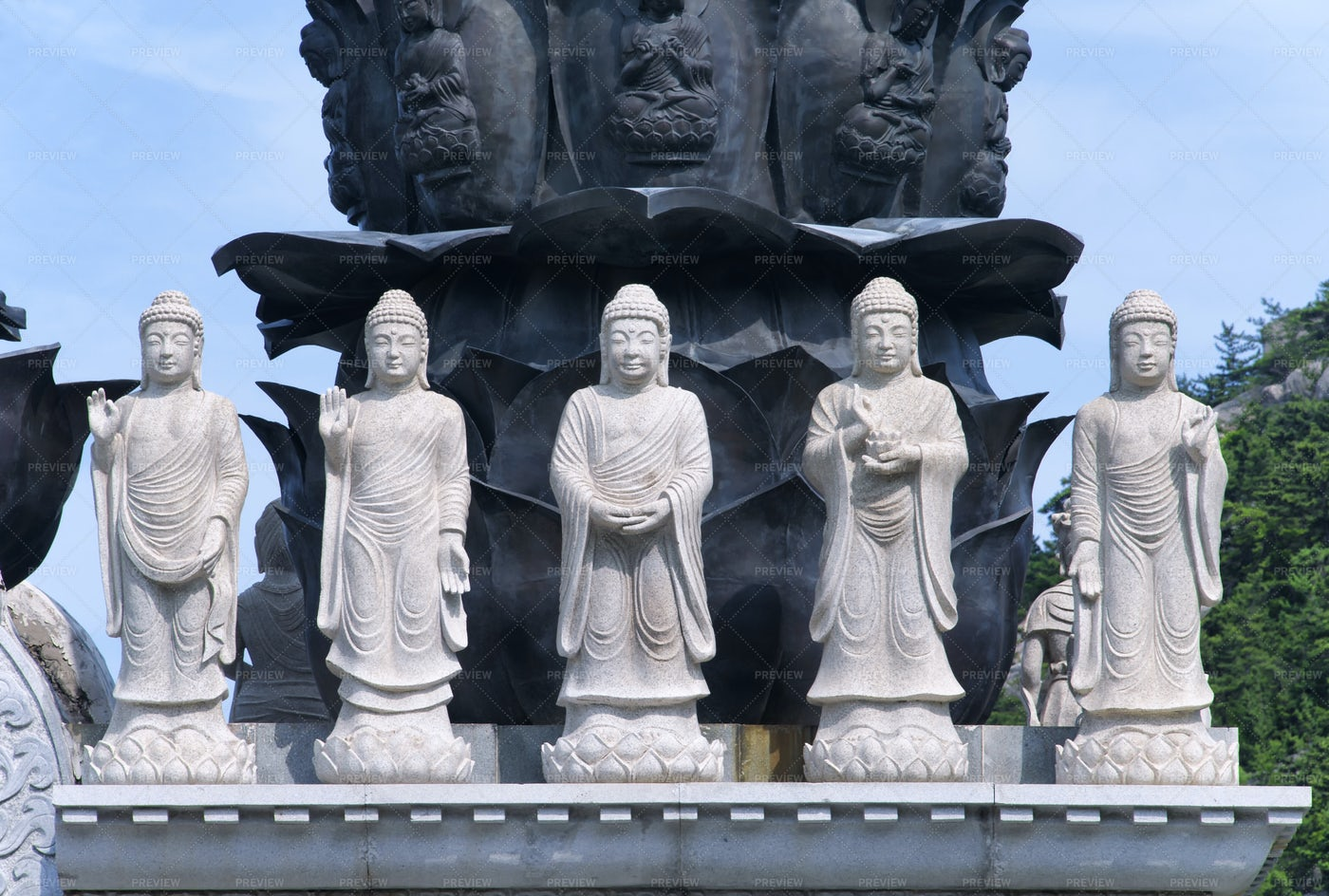 Buddha Statues: Stock Photos