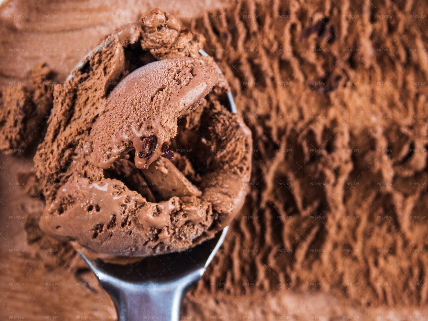 Chocolate Ice Cream Scoop: Stock Photos