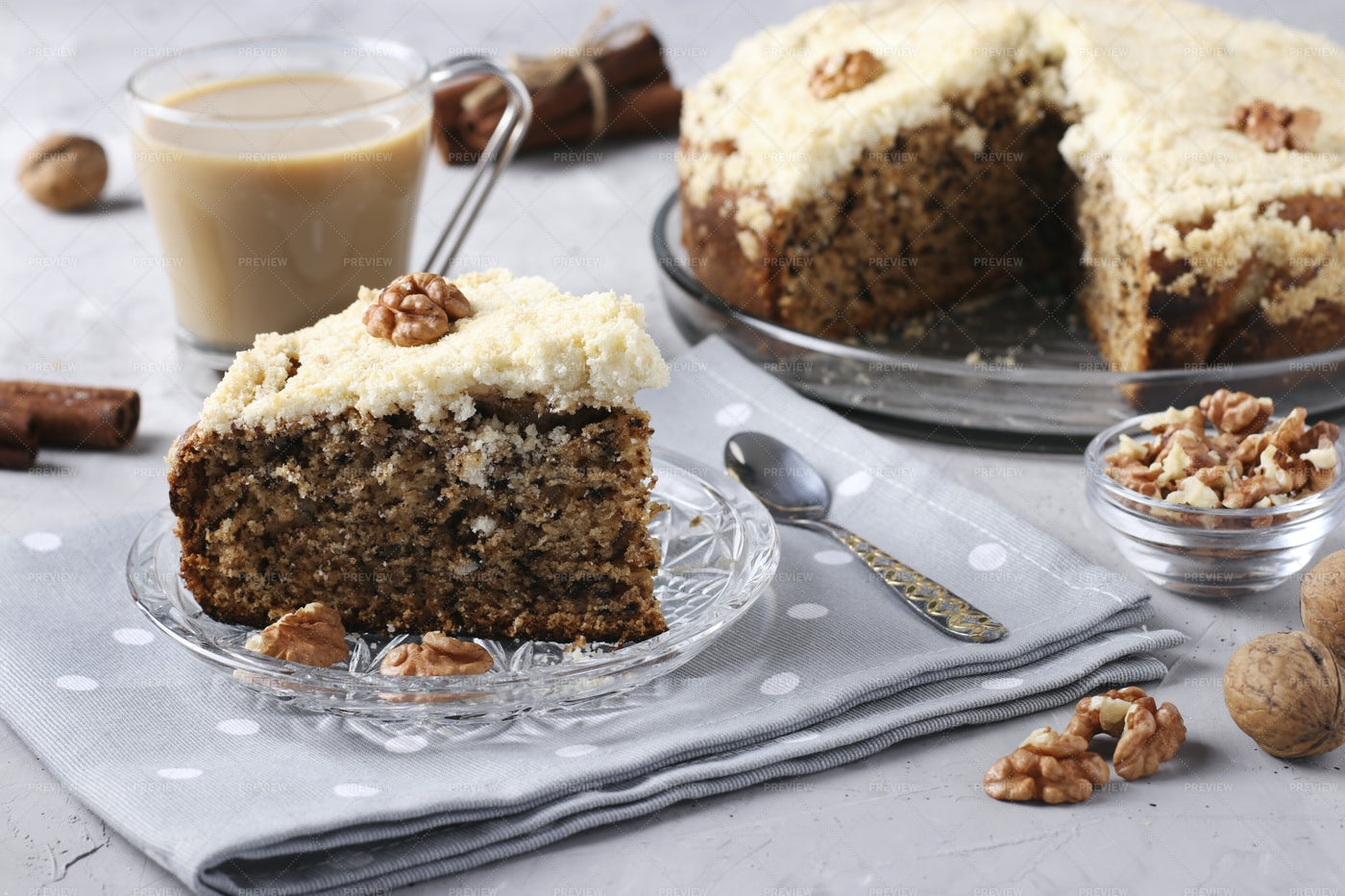 Cake With Walnuts: Stock Photos