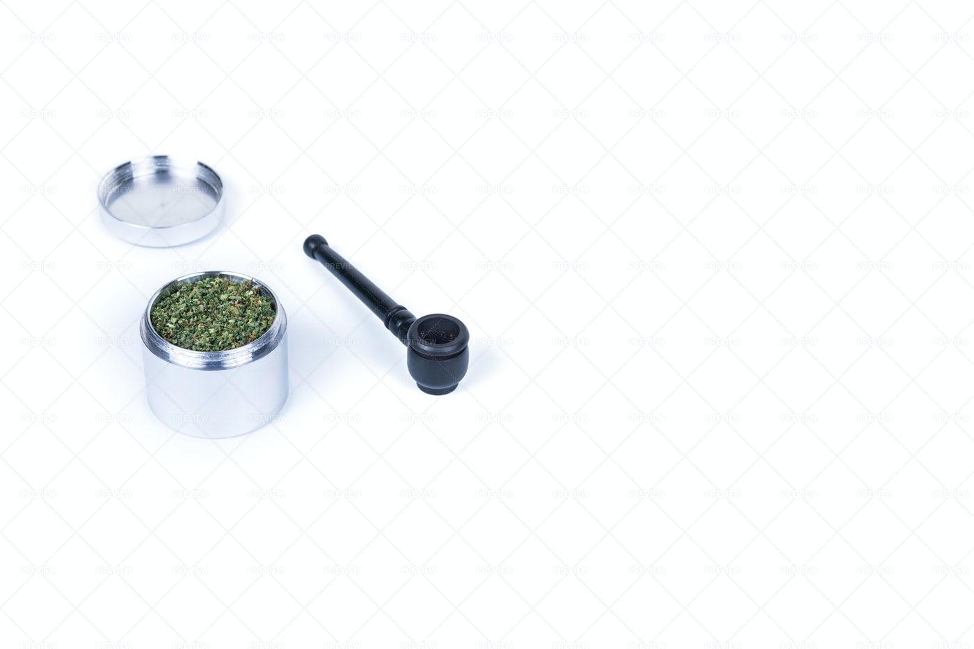 Ground Marijuana: Stock Photos