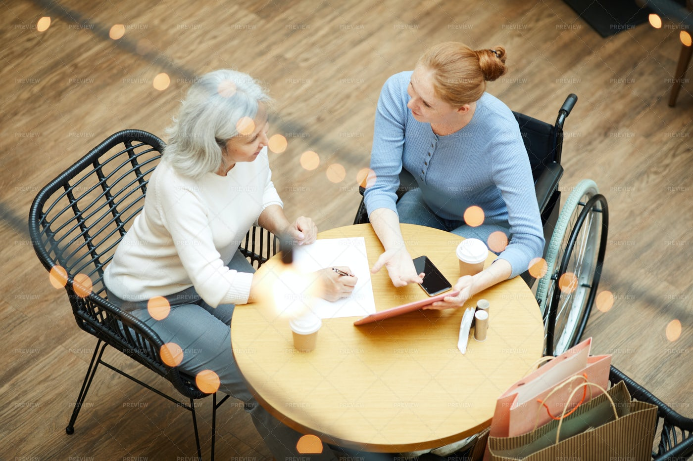 Family Meeting In Cafe: Stock Photos
