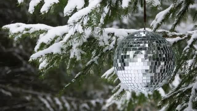 Mirror Ball On Christmas Tree: Stock Video