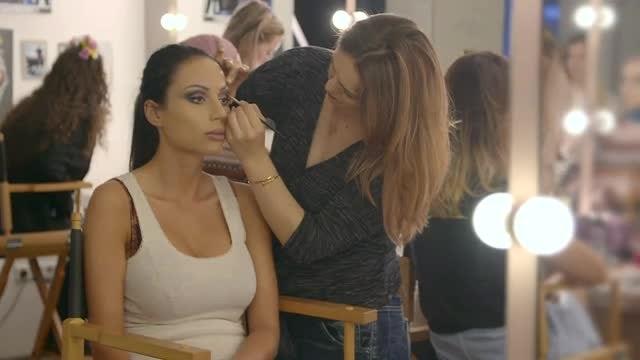 Makeup Artist Applying Eyeliner : Stock Video