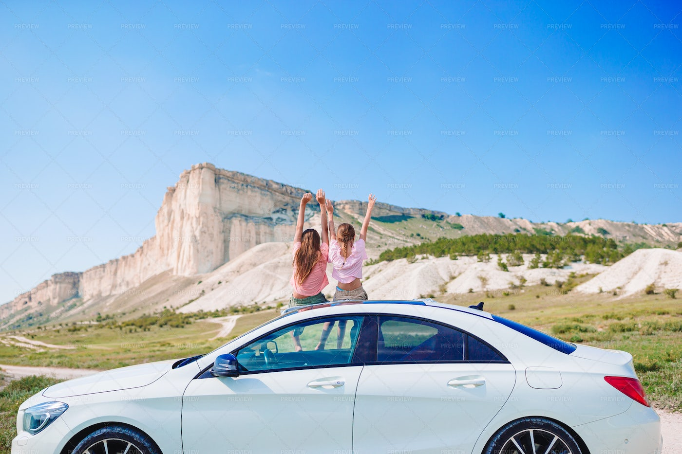 Girls On Vacation Road Trip: Stock Photos