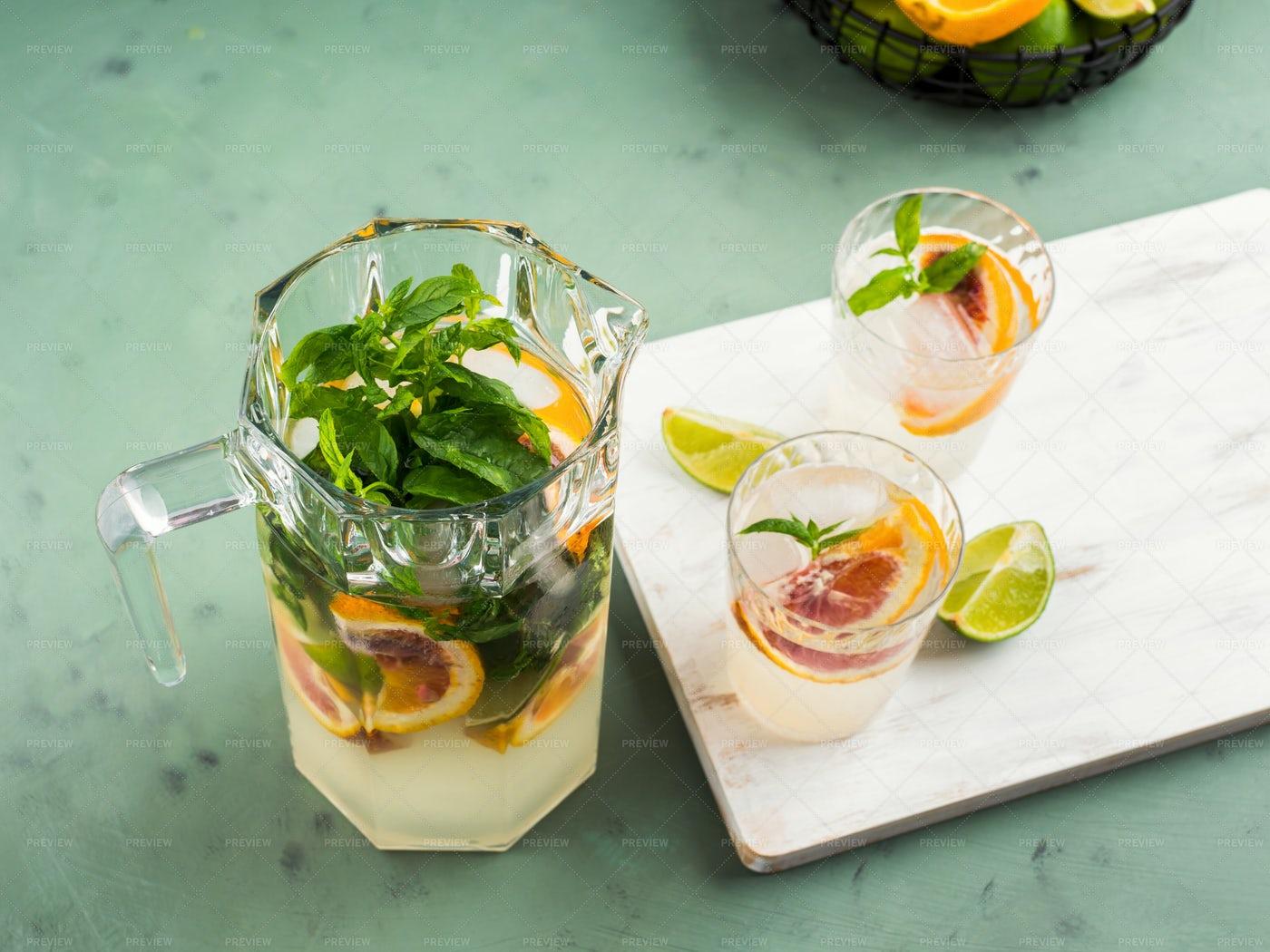 Fresh Summer Citrus Drink: Stock Photos