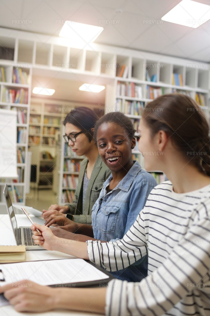 Students In Classroom: Stock Photos