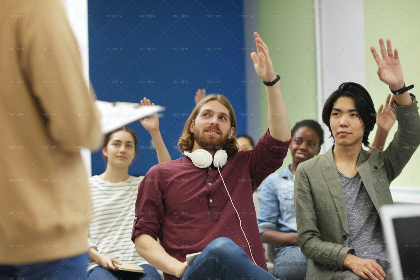 Young People Voting: Stock Photos