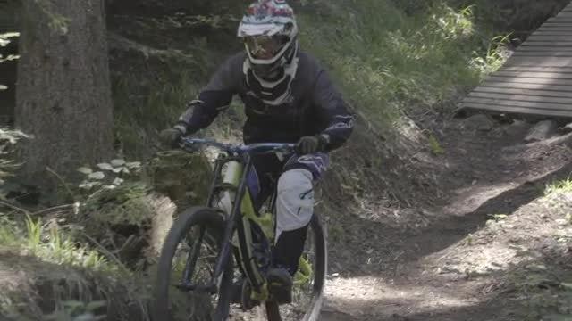 Mountain Biker On Trail: Stock Video