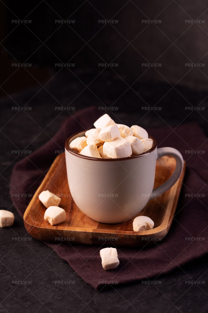Hot Chocolate With Marshmallow: Stock Photos