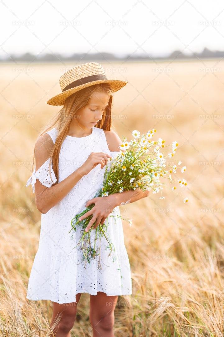 Girl In Wheat Field: Stock Photos