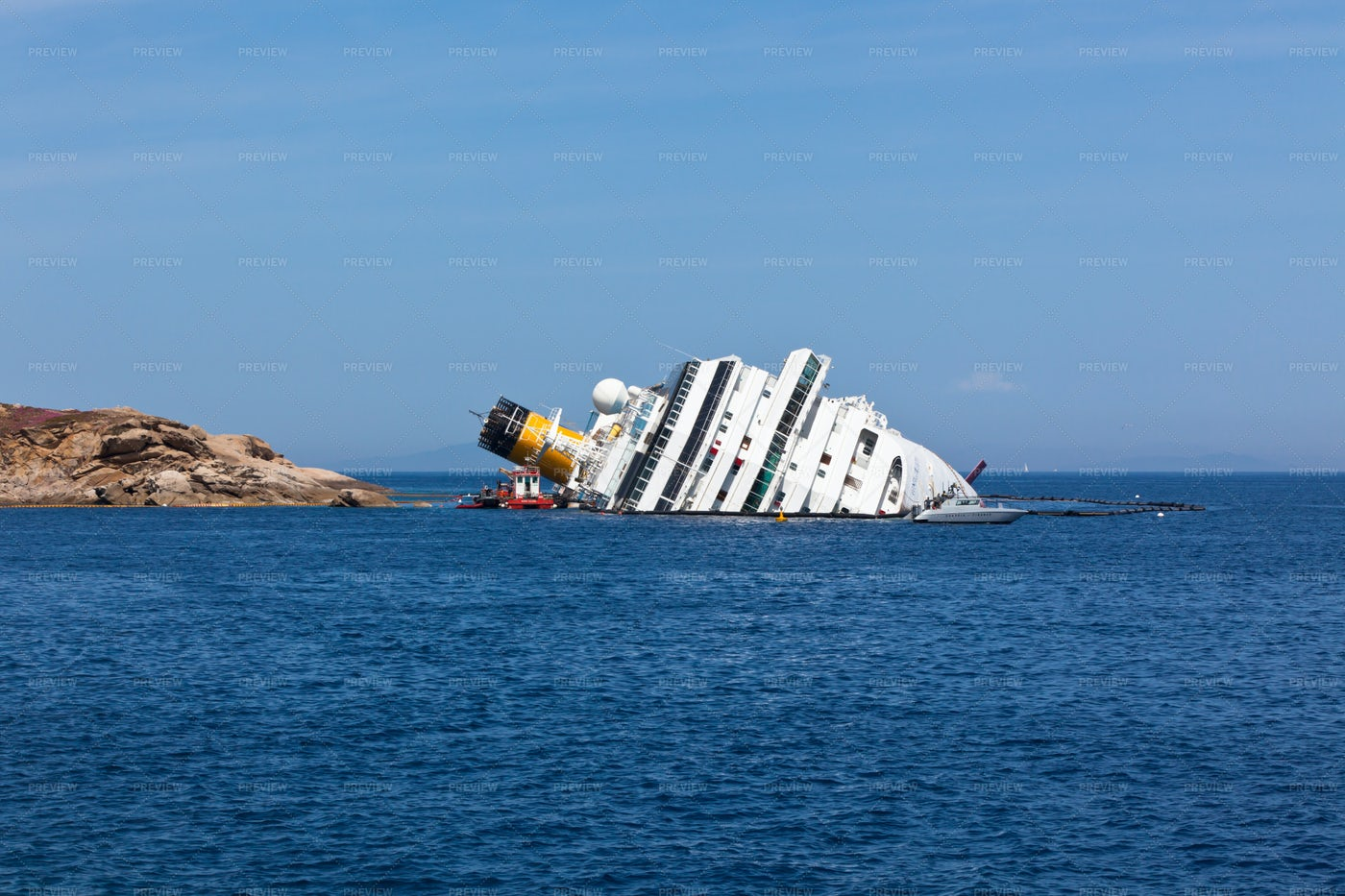 Cruise Liner Shipwreck: Stock Photos