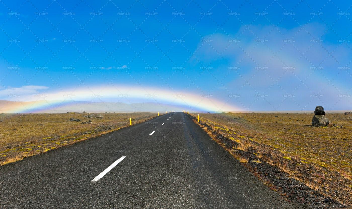 Icelandic Road Landscape: Stock Photos