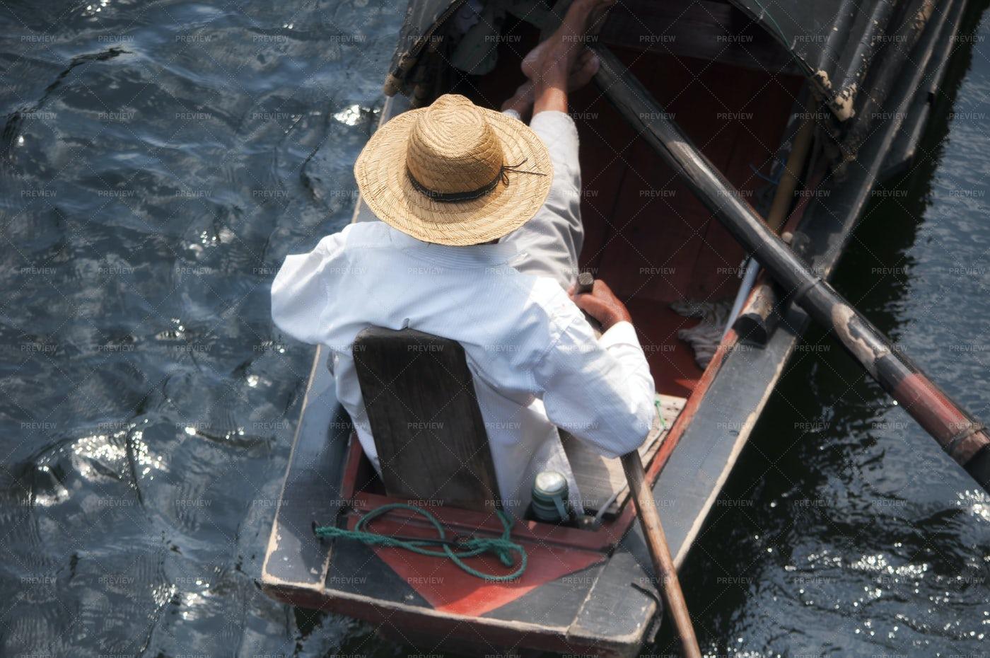 Black Canopied Boats China: Stock Photos