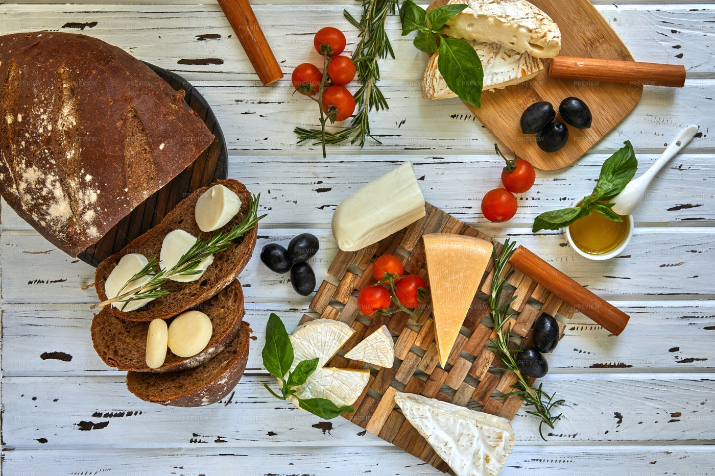 Cheese Boards With Bread: Stock Photos