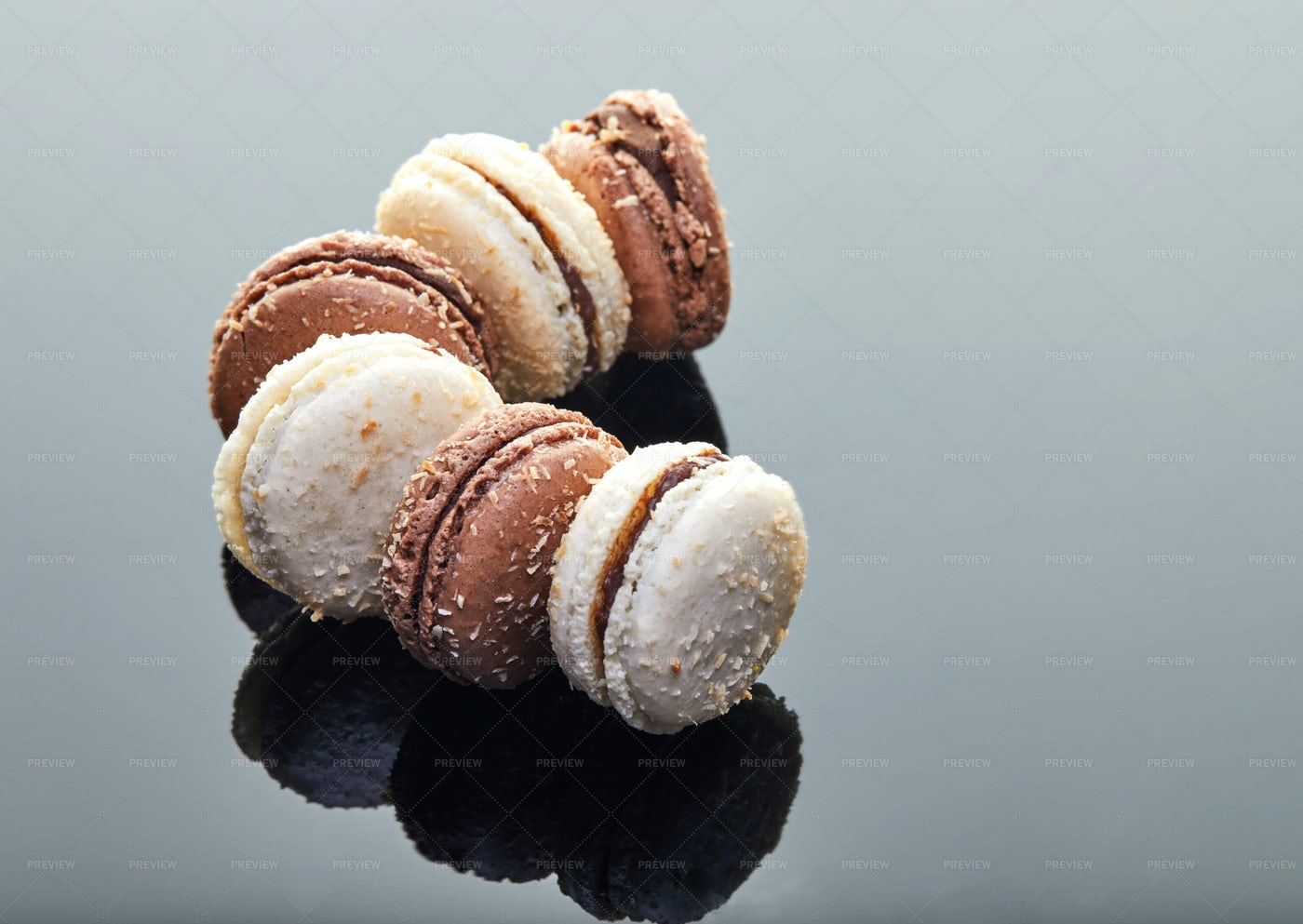 Coconut Flavored Macaroons: Stock Photos