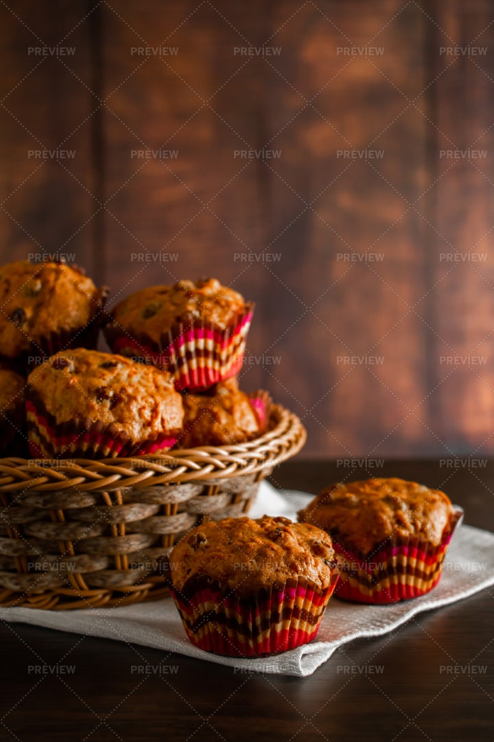 Muffins With Raisins: Stock Photos
