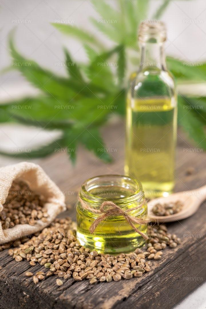 Healthy Hemp Oil: Stock Photos