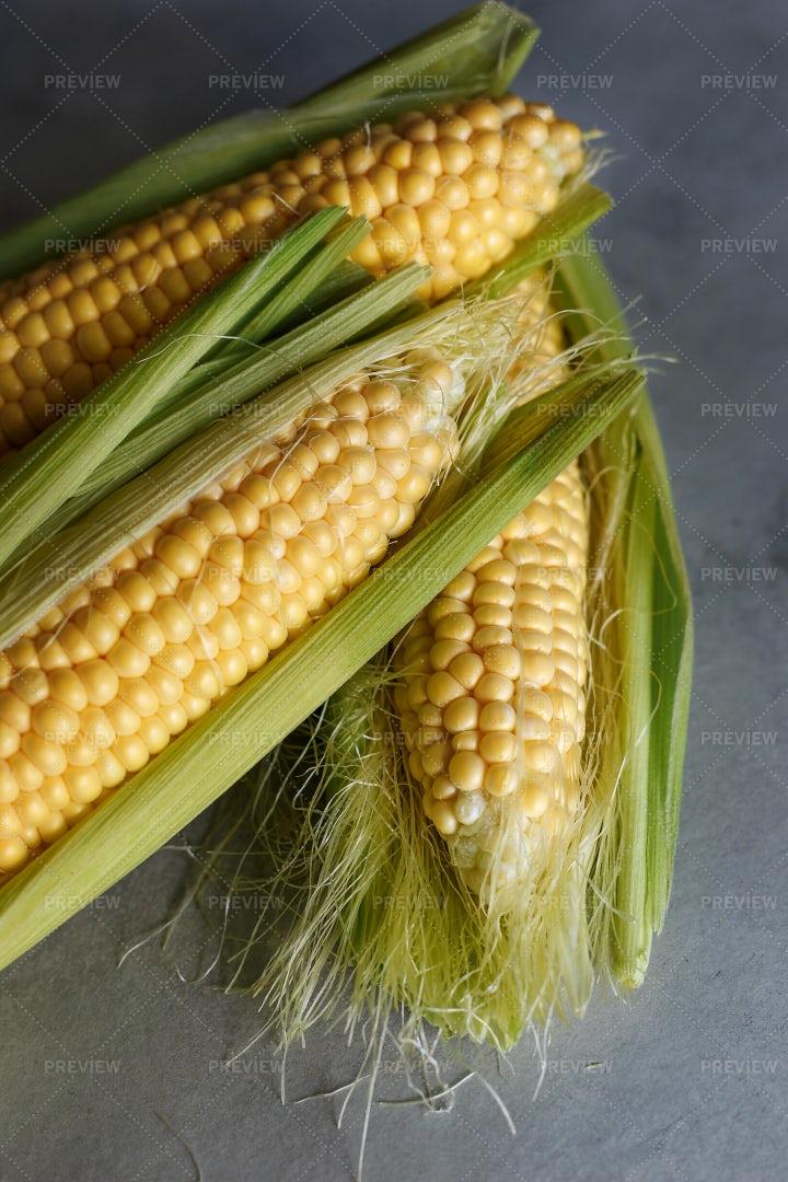 Fresh Corn Close-Up: Stock Photos