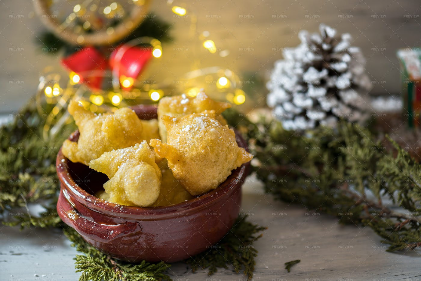 Pettole At Christmas: Stock Photos