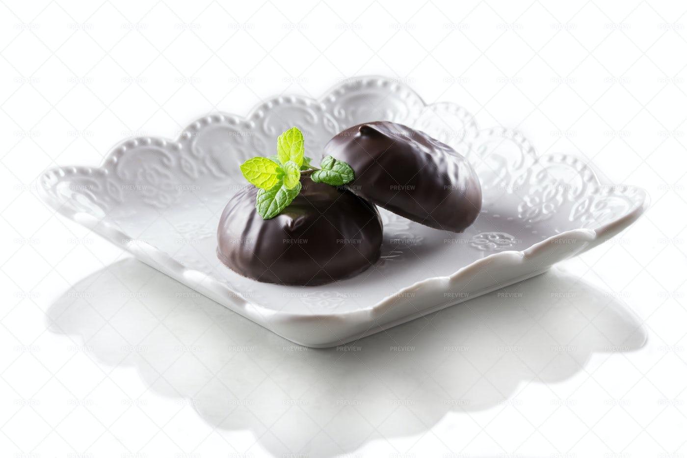 Chocolate Covered Marshmallows: Stock Photos
