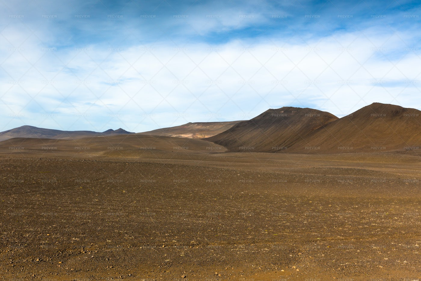 Dry Gravel Iceland Landscape: Stock Photos