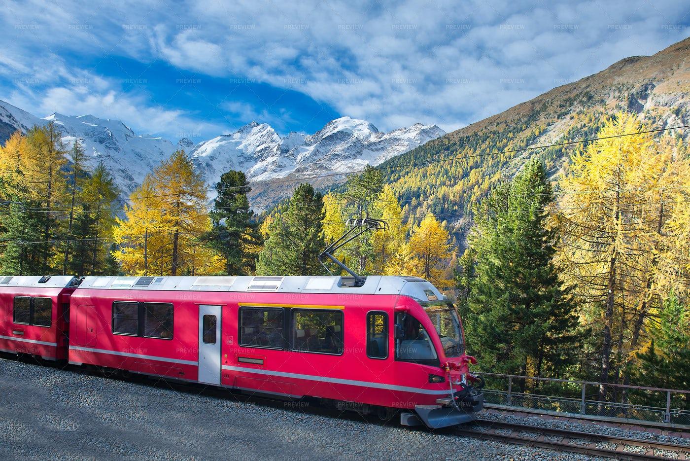 Bernina Express Swiss Mountain Train: Stock Photos