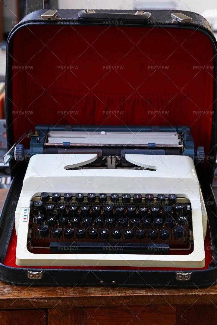 Portable Desk Typewriter: Stock Photos