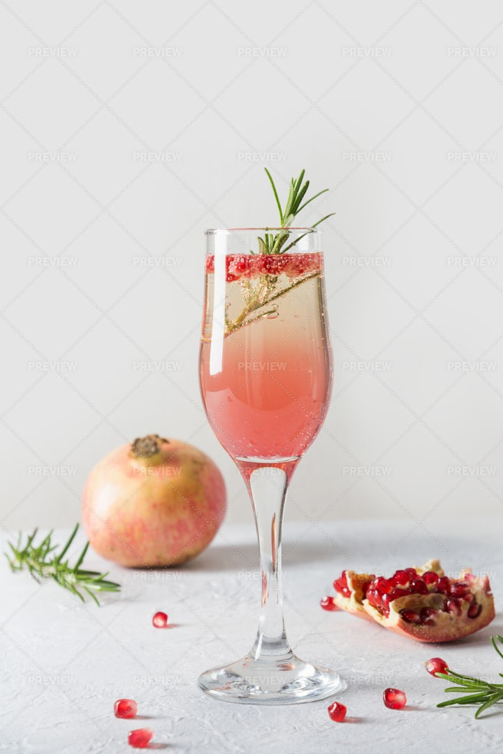 Sparkling Wine With Pomegranate: Stock Photos