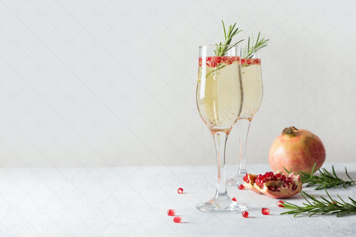 Sparkling Wine: Stock Photos