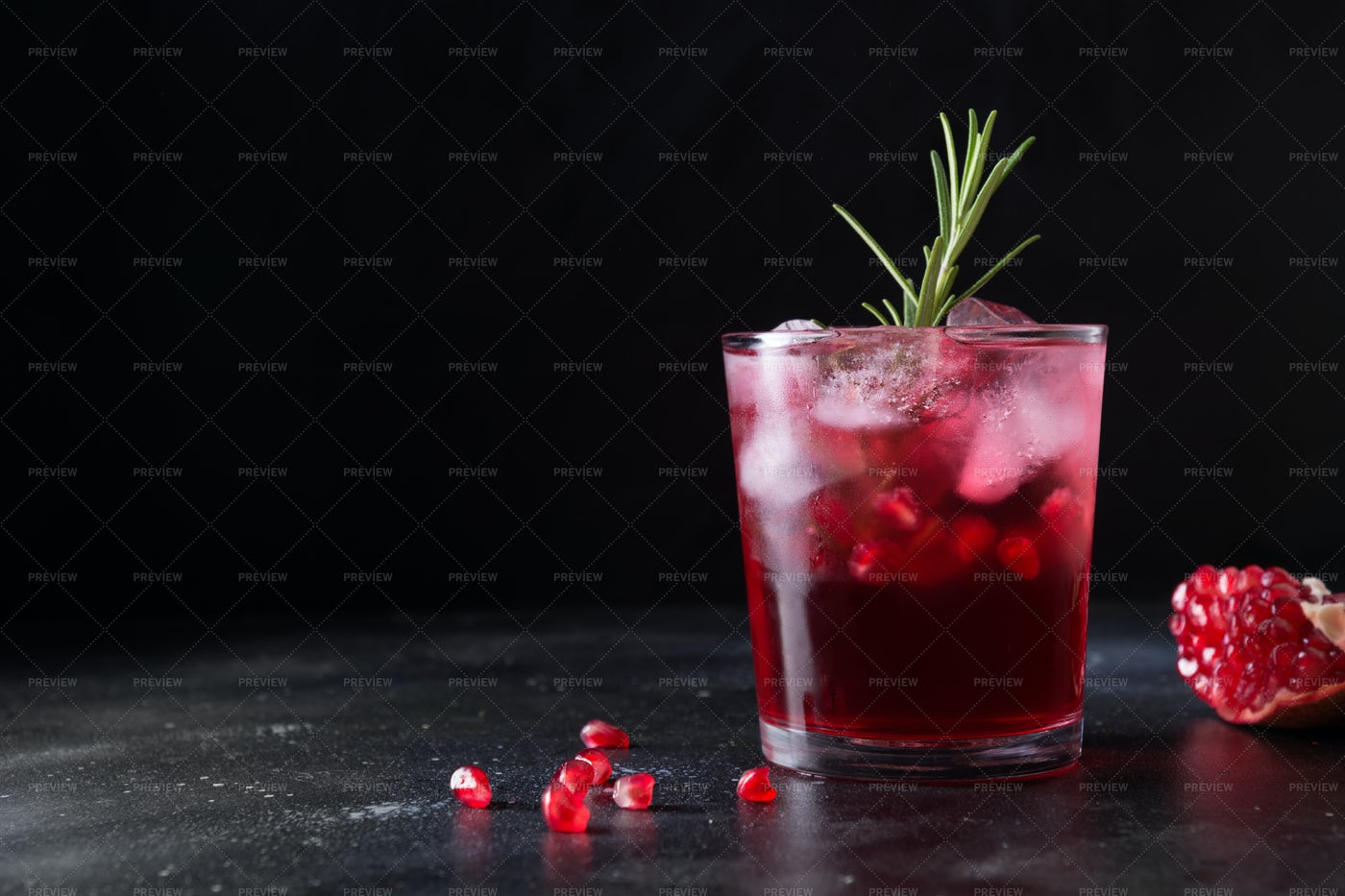 Christmas Cocktail With Pomegranate: Stock Photos