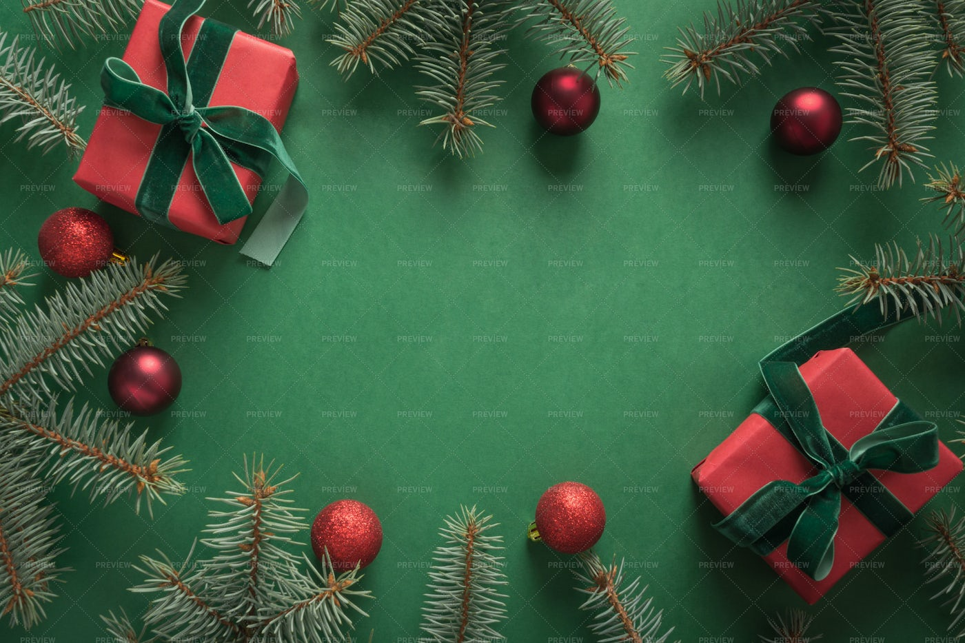 Christmas Border With Gifts: Stock Photos