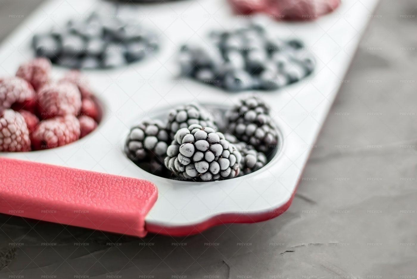 Frozen Berries: Stock Photos