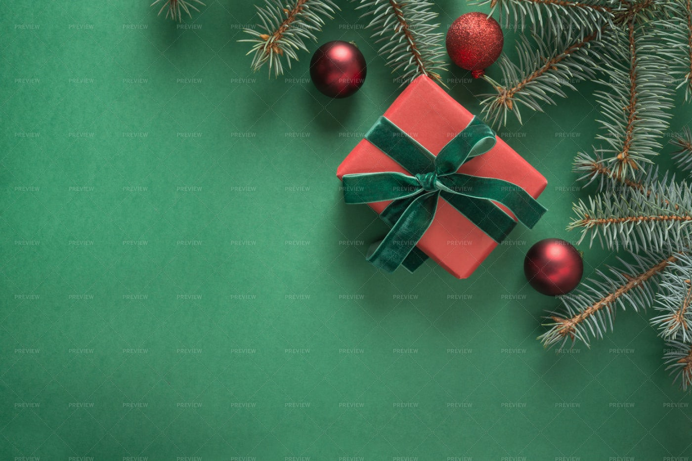Christmas Gift On Green: Stock Photos