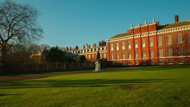 POV Of Kensington Palace: Stock Video