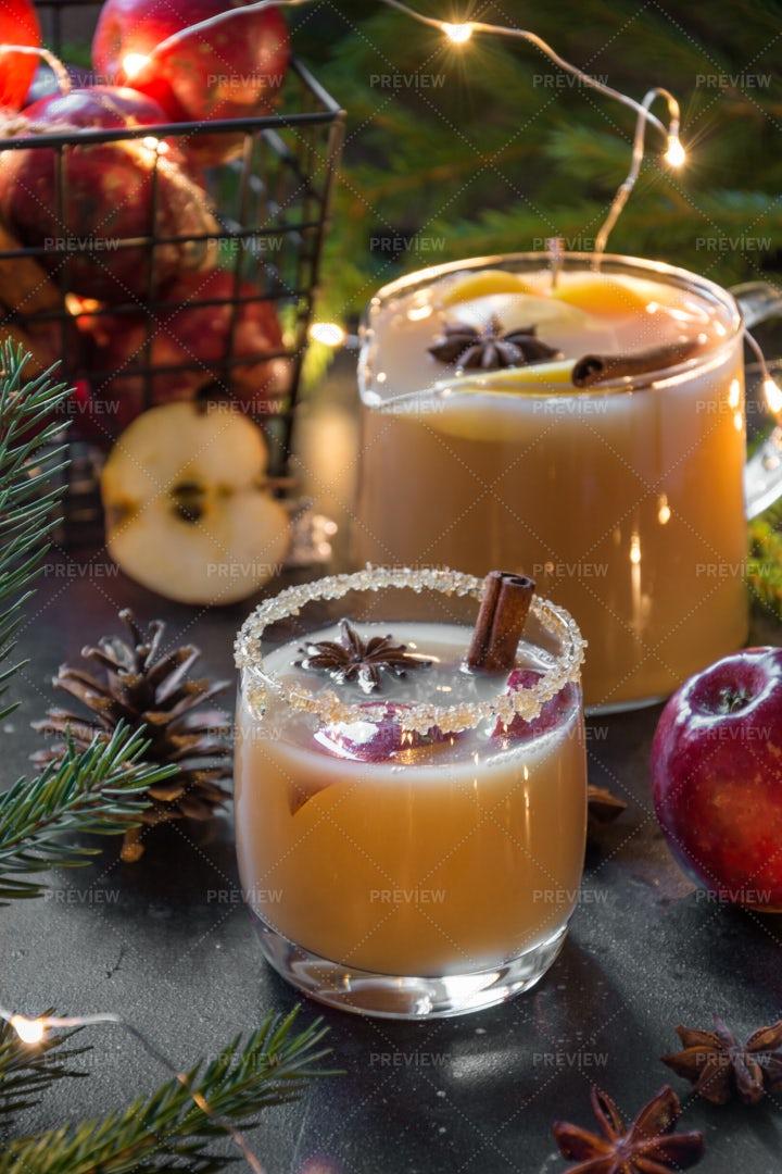 Christmas Apple Cider: Stock Photos
