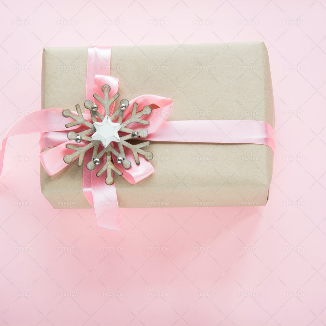 Gift With A Pink Bow: Stock Photos