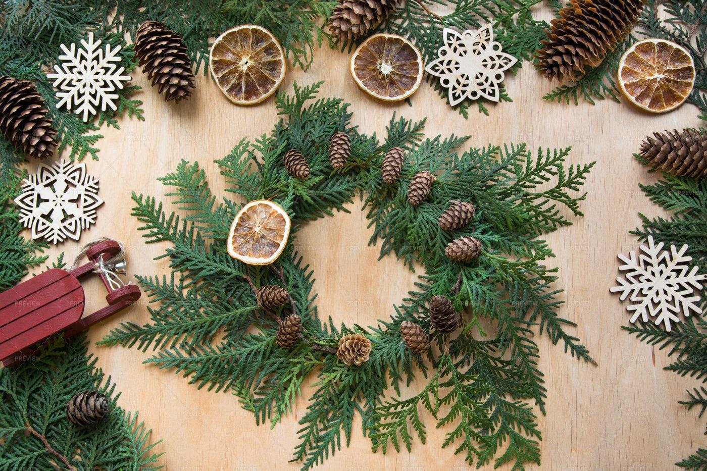 Christmas Wreath Background: Stock Photos